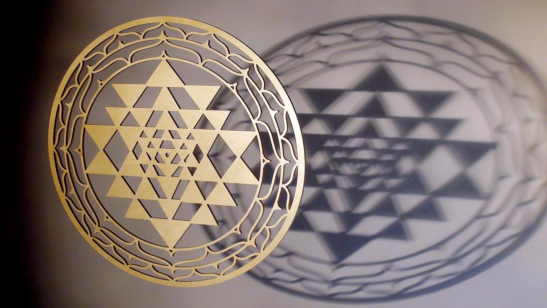Sri Yantra aus Holz